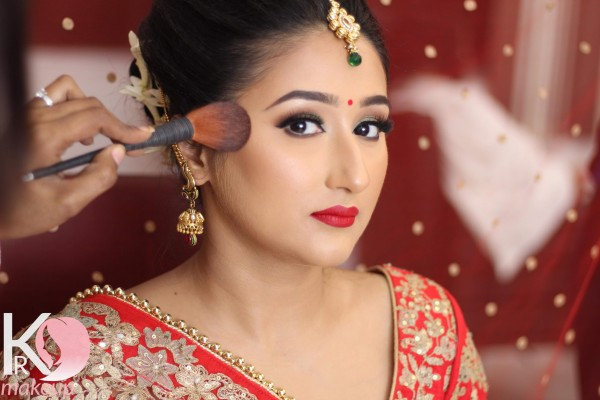 karishma-rawat-makeup-best698FA4BE-2198-6FB7-4C9D-23A95264C998.jpg